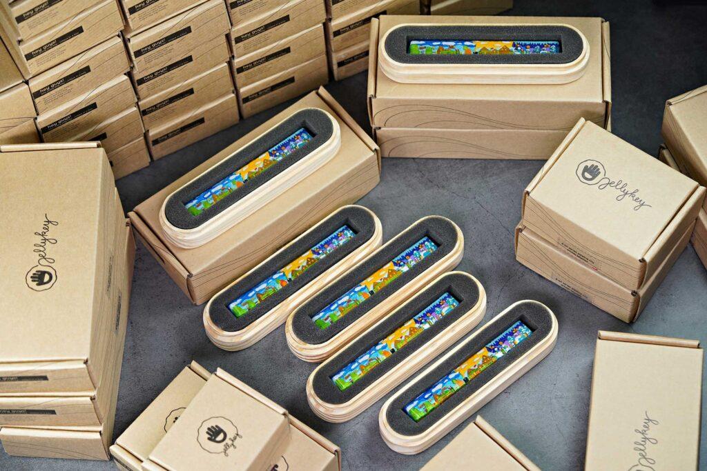 Artisan keycaps makers